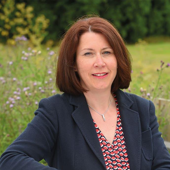 Dr Ruth Bushaway